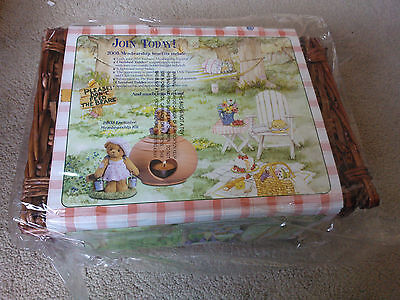 Cherished Teddies 2003 Membership Pack - Leah with basket CT109 - RARE