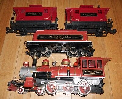 Bachmann North Star Express Locomotive, Tender & 2 Caboose Train Set G Gauge