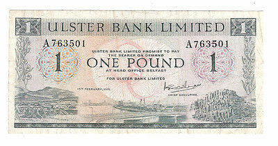 Banknote of ireland one pound ulster bank dated 1971 very fine condition.