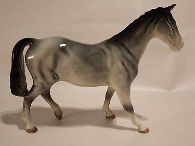 Lovely Bretby Grey Gloss Horse - Old Restoration To 1 Leg But Excellent Cond