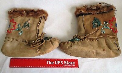 Vintage Antique Native American Indian Beaded Moccasins Shoes