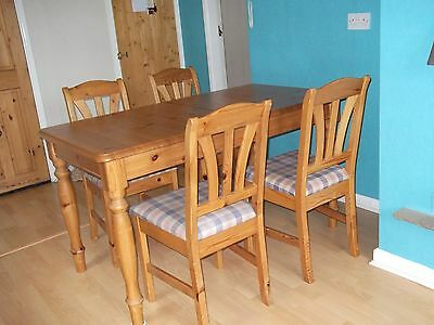 Extendable pine dining table & chairs