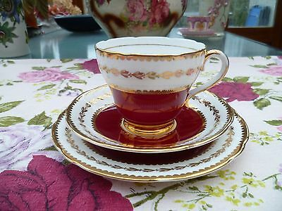 Lovely Salisbury English China Trio Tea Cup Saucer Plate Red Gilded 3788