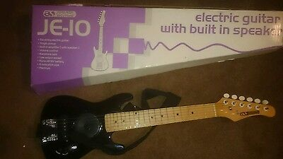 electric guitar with built in speaker
