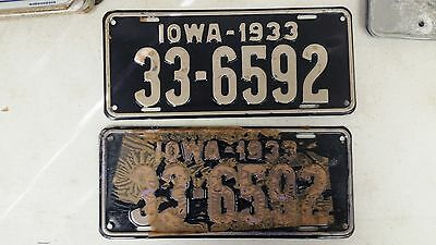 1933 IOWA Fayette County License Plate 33-6592 Pair