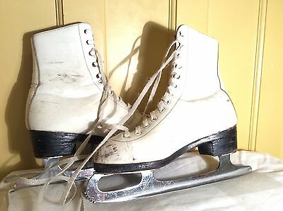 Vintage / Retro White Leather Ice Skates Size 5 With Covers