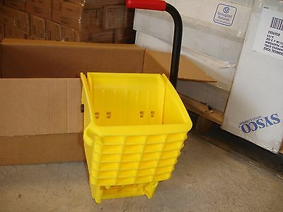 New Rubbermaid Commercial Side Press Mop Wringer
