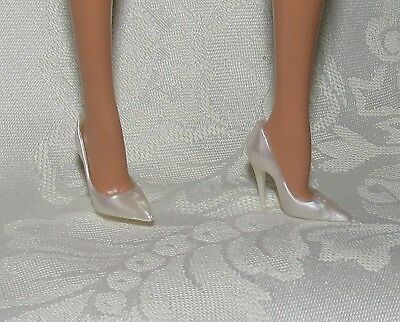 Barbie Model Muse Pearl White Closed Toe Pointed Toe High Heel Shoes 4 Doll