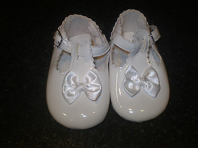 Baypods White baby shoes Size 3