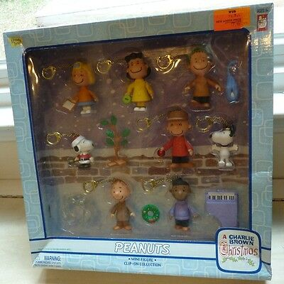 Peanuts Charlie Brown Christmas mini figure clip-on collection 2004 Memory Lane