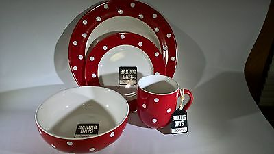 NEW In Box Spode Baking Days Red Polka Dot 4 Piece Place Setting Retired