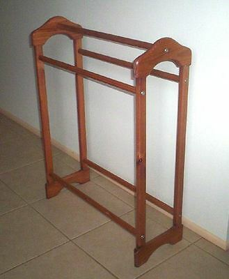 Timber Quilt Stand - Display Your Quilts On This Rack