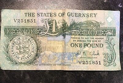 The States Of Guernsey £1 Note - V251851