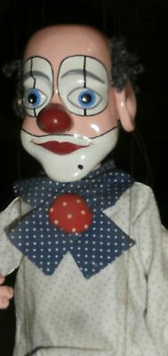 adorable STRING  VINTAGE  PUPPET   THE CLOWN  ..very  great