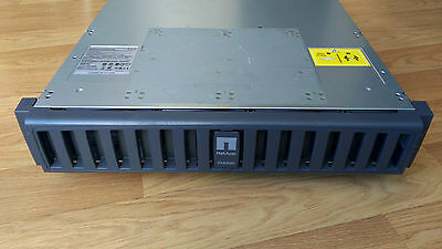 NetApp Array FAS2020 with 1 FC and Ethernet Controller and  6 x 1TB Complete