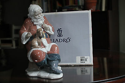 Rare Lladro Collectible - Santa's Little Secret - Item #6890 With Box