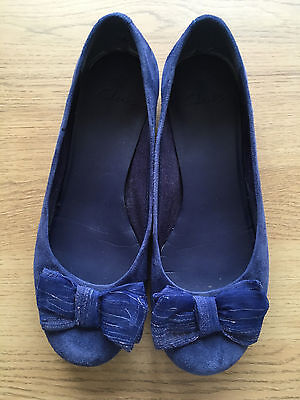 Clarks blue suede pumps/flats/ballerinas with organza bow, size 5
