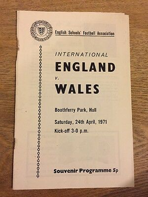 Football Match Program England V Wales 1971 English Schools Association