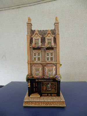 Lilliput Lane Pawnbroker The Victorian Shops Collection L2052 Boxed