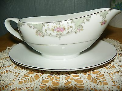 Yamaka China Gravy Boat Victorian number 2376 Made in Japan