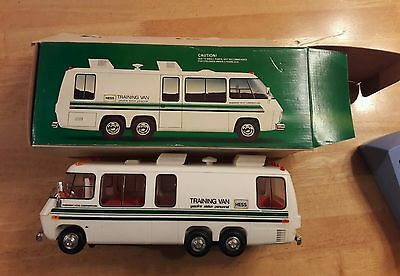 HESS toy truck 1978 TRAINING VAN IN WITH BOX Nice GREEN