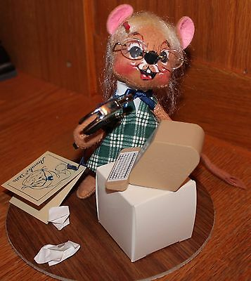 """Annalee 7"""" Secretary Mouse with Computer #2012 Dated 1991"""