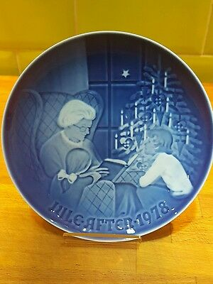 Bing & Grondahl Jule After 1978 White Christmas plate