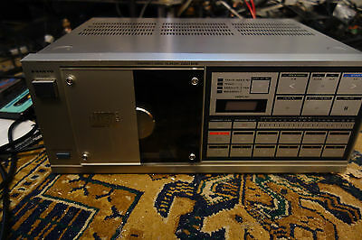 Sanyo DAD M15 front loader cd player TDA1540 one of the first players