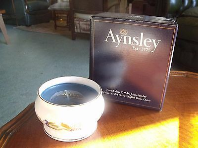 2 boxed Aynsley ceramic candle vases, Pembroke pattern