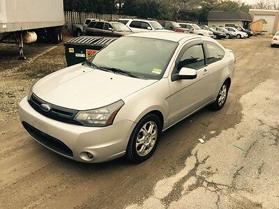 2009 Ford Focus SE 2009 FORD FOCUS SE COUPE 5 speed!!