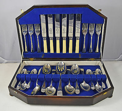 Vintage Wooden Cased 26 Piece Spurbright Stainless Cutlery Canteen Set