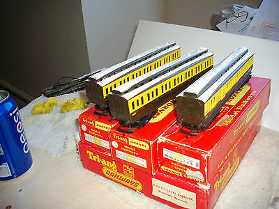 triang hornby passenger cars and double level crossing r 171 cars 1 r 333 r 332