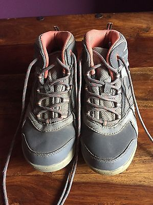 Child's Hi-Tec Walking Hiking Boots, Size 2, Great Condition, Only Used Twice.