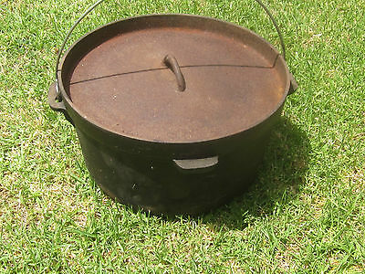 Camp Oven 12 inch cast iron