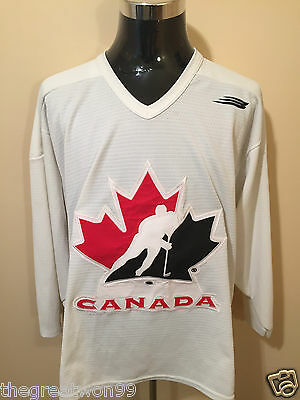NHL/IIHF Canada LGE HW Flo-Knit Ice Hockey Jersey by Bauer