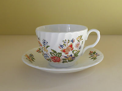 Aynsley Cottage Garden Bone China Cup & Saucer (L61,25)
