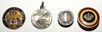 Lot 4 Insignes / Medallions a identifier (7868 M)