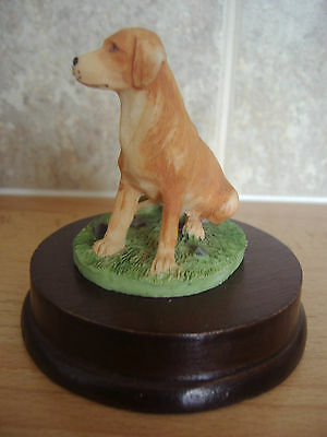 Golden Labrador figure on base ~ beautiful. By Academy.