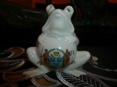 """Unmarked! Possibly Grafton? Crested China """" Sitting Frog """" Crest of """"Dublin"""""""