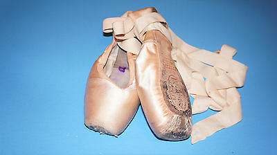 Used Freed Classic Pro Anchor Maker 4.5XX/6.5 Pointe Satin Ballet Shoes