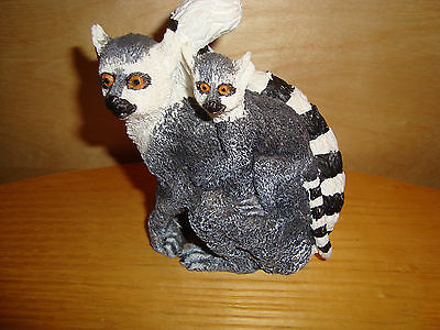 Wild Animal LEMUR Resin Figurine, h 11cm