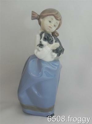LLADRO - NAO - **GIRL WITH SLEEPY PUPPY** # 1029 - Mint Condition!