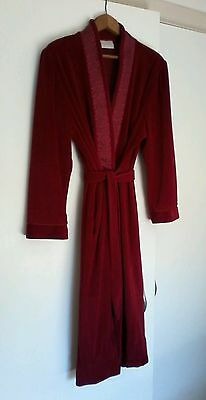 Vintage/retro Givoni ruby red velour dressing gown/robe size 10-14