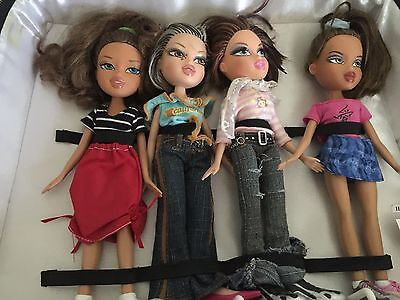 Huge LOT of 4 Bratz Dolls With Case Clothing Shoes Accessories - STUFFED FULL