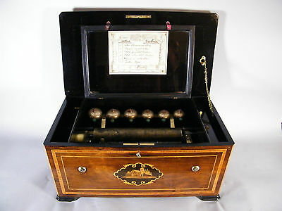 Antica scatola musicale in legno con 6 arie e 6 campanelli - antique musical box