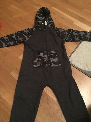 Boys Onsie Age 4 Years