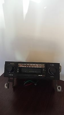 Phillips vintage car radio