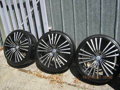 3x20 inch Ford Falcon wheels and tyres.as new.