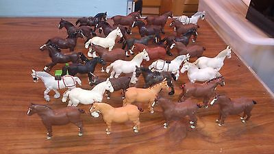 BOX OF BRITAIN'S MODEL HEAVY HORSES 1970S VINTAGE (31 in total)