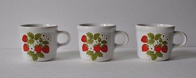 Vintage  McCOY STRAWBERRY Small CUP Mug Strawberries Red Berry  Set of (3)
